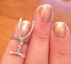 champagne glass midi ring