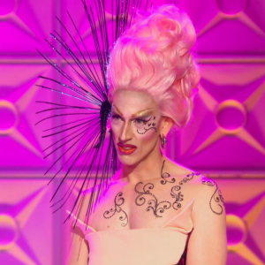 rupaul's drag race S08E01 | acid betty runway outfit inspired mani