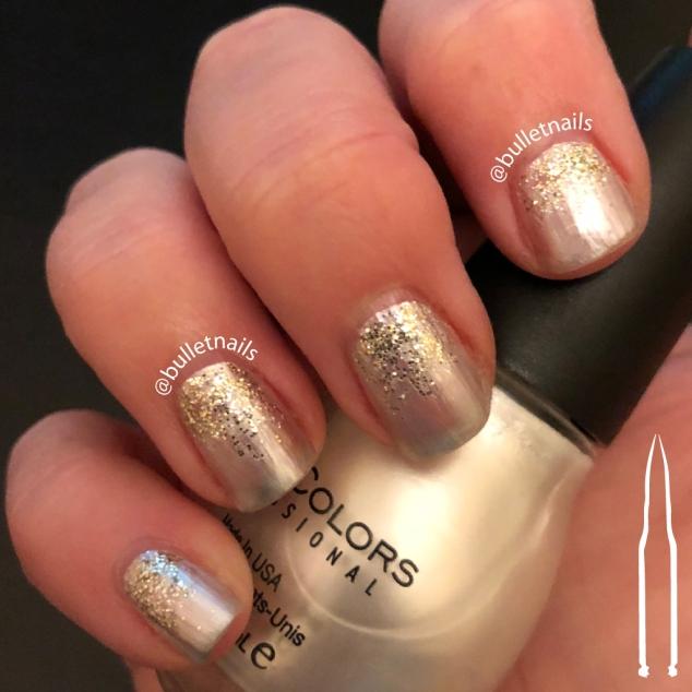 ncu - gold snowflakes | @bulletnails