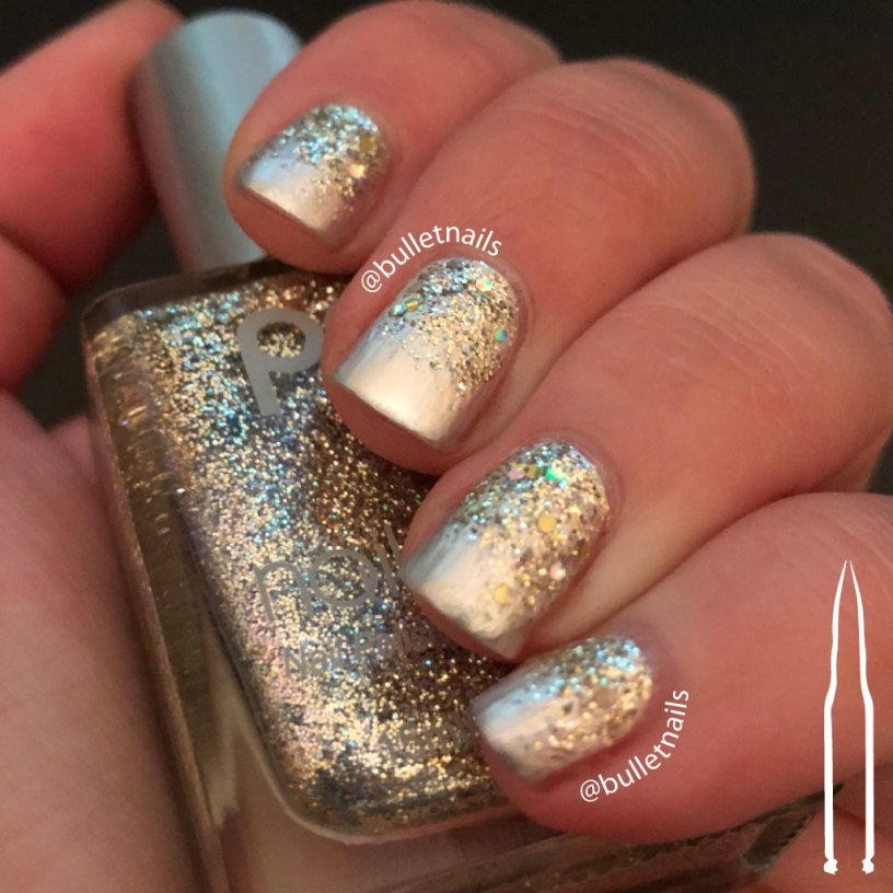 ncu - gold snowflakes | @bulletnails